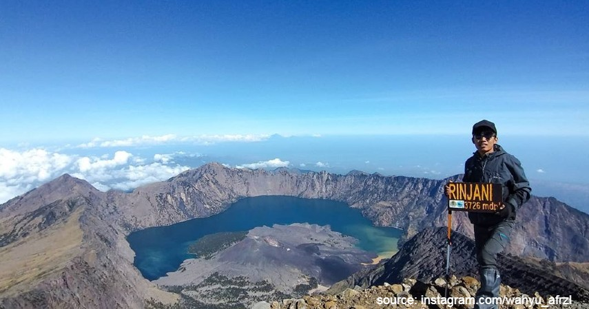 Gunung Rinjani - 10 Gunung Tertinggi di Indonesia