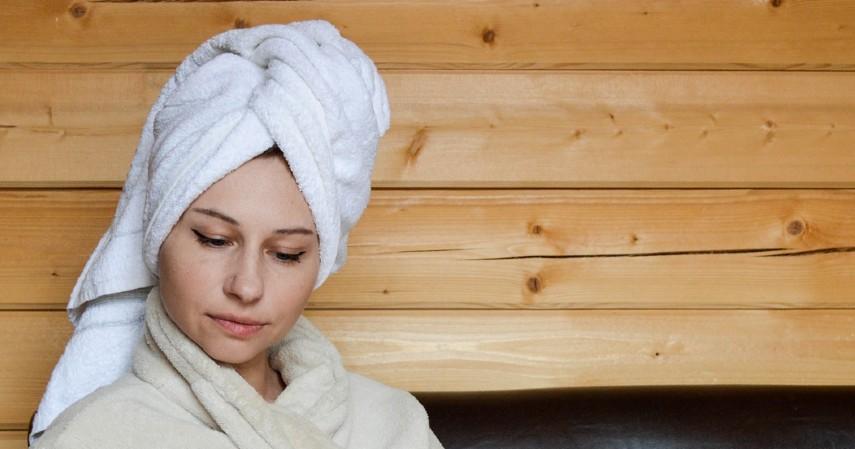 Jangan Keramas Tiap Hari - 8 Cara Merawat Rambut Berminyak yang Tepat dan Paling Ampuh