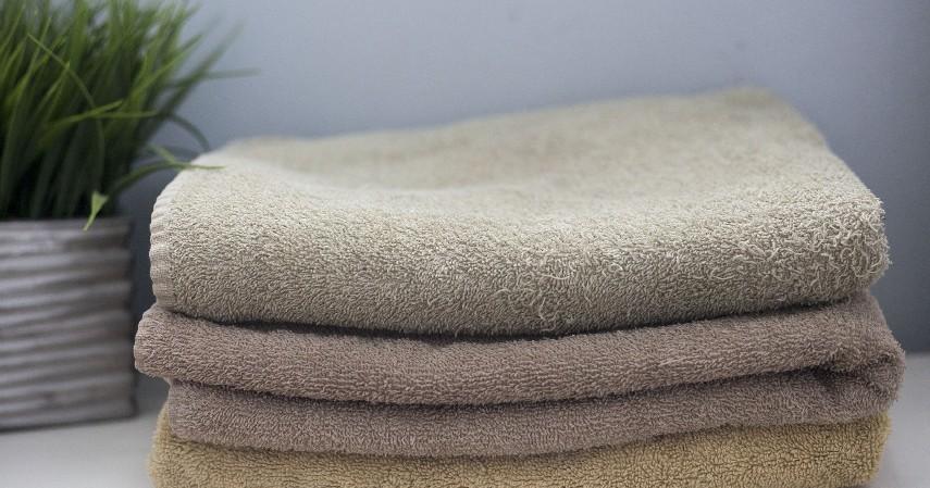 Kain atau handuk yang sudah tidak terpakai - Cara Membuat Motif Tye Dye beserta Peluang Usaha