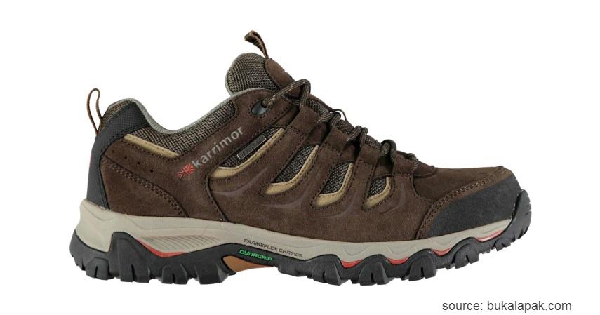 Karrimor Waterproof - 10 Merk Sepatu Hiking Terbaik