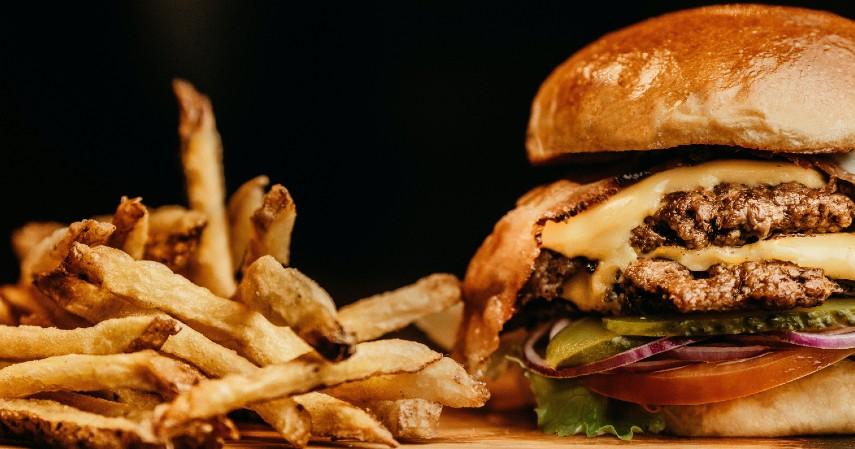 Makanan Cepat Saji - 11 Makanan Tinggi Kolesterol yang Patut Dihindari