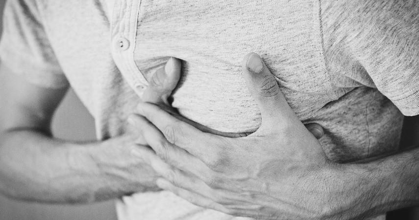Menjaga-Kesehatan-Jantung-10-Manfaat-Buah-Markisa-untuk-Kesehatan-beserta-Efek-Sampingnya