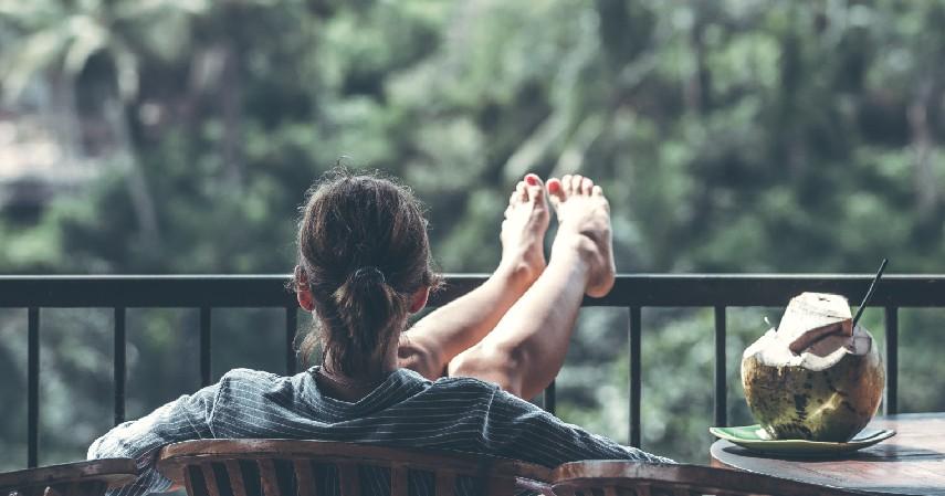 Menurunkan Lemak Darah dan Menstabilkan Gula Darah - 9 Manfaat Mengangkat Kaki Sebelum Tidur