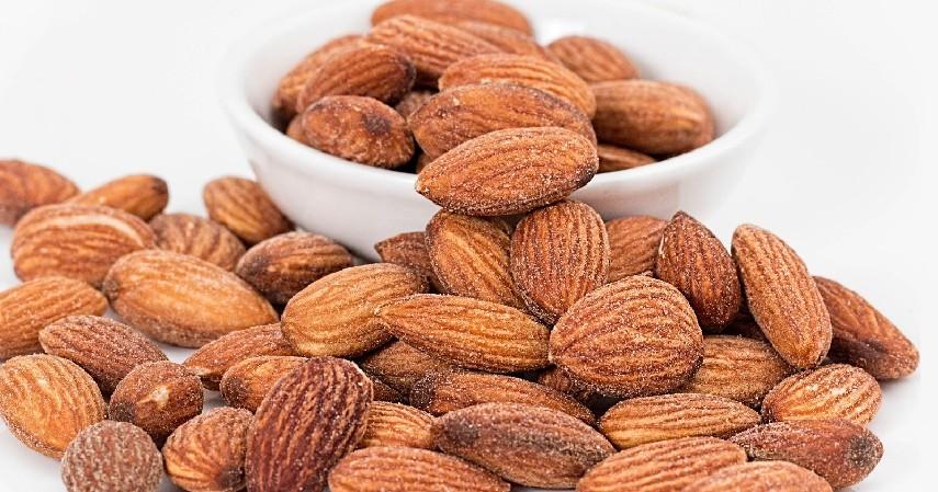 Obat Alami Katarak dengan Kacang Almond - 10 Obat Alami Katarak Tanpa Biaya Mahal