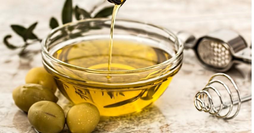 Obat Alami Katarak dengan Lemon dan Minyak Zaitun - 10 Obat Alami Katarak Tanpa Biaya Mahal