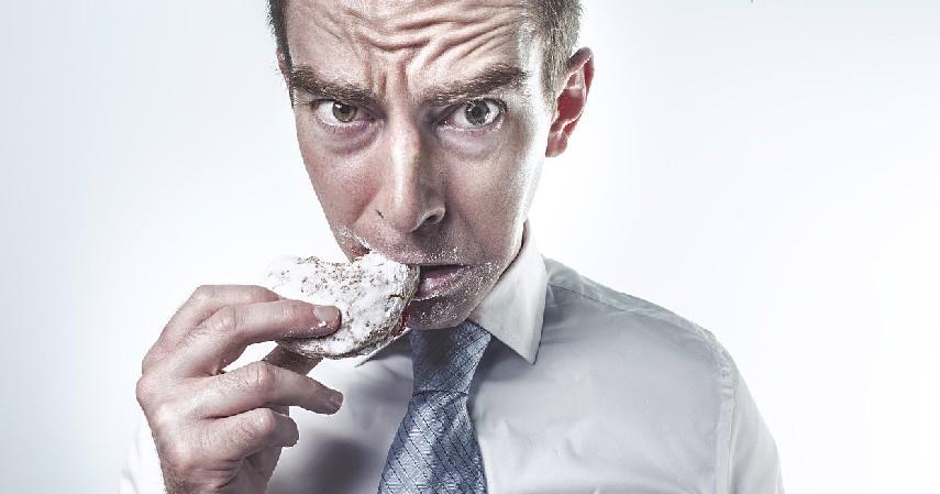 Perhatikan Makanan yang Dikonsumsi - 10 Cara Menjaga Jantung Tetap Sehat Sejak Usia Dini