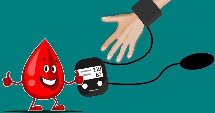 Rutin Melakukan Cek Tekanan Darah - 10 Cara Menjaga Jantung Tetap Sehat Sejak Usia Dini