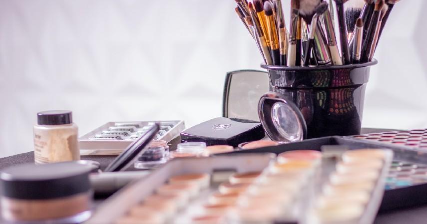 Sederet Bahaya Makeup Bagi Anak - Bahaya Makeup Bagi Anak