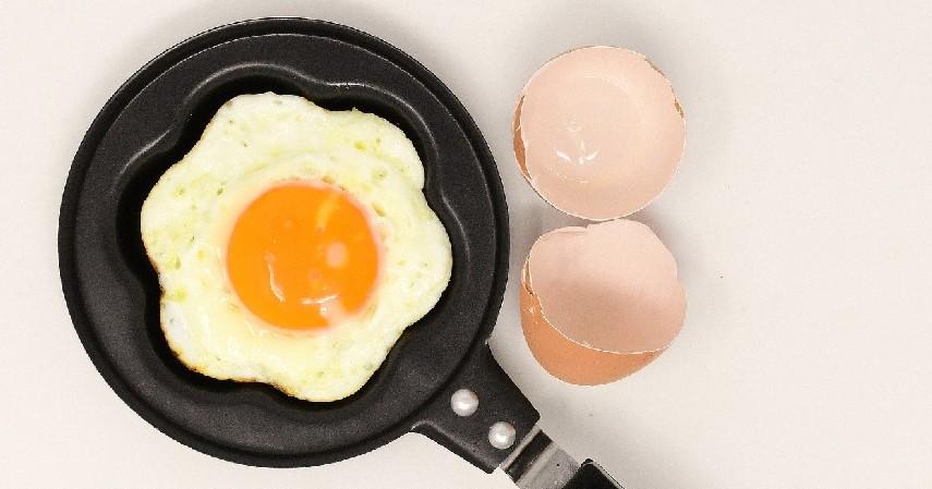 Telur - 11 Makanan Tinggi Kolesterol yang Patut Dihindari
