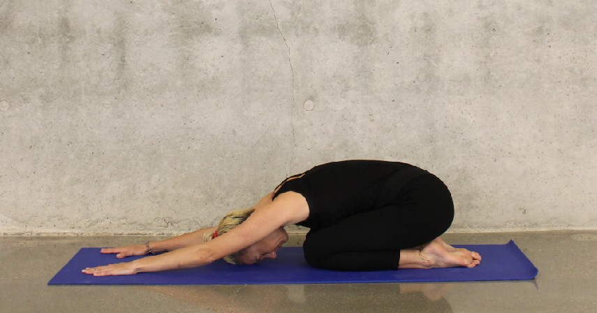 Yoga - 6 Olahraga yang Aman untuk Penderita Penyakit Jantung dan Tips Melakukannya