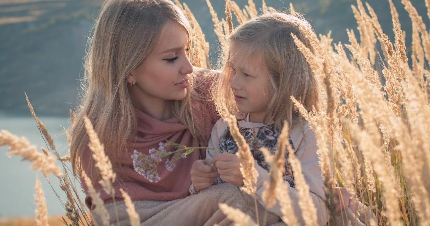 Fungsi Afeksional - 9 Fungsi Lembaga Keluarga, Beserta Peran dan Penjelasan Lengkap!.jpg