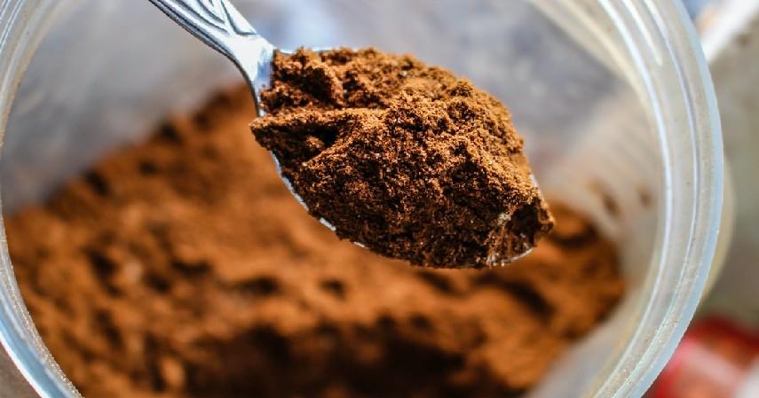 Bubuk Cokelat - Cara Menghilangkan Stretch Mark Paling Efektif