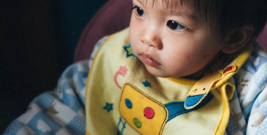 Celemek - Daftar Perlengkapan Bayi Baru Lahir