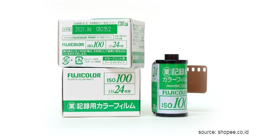 Fuji Industrial 100 - 8 Merk Roll Film Kamera Terbaik untuk Kamera Analog