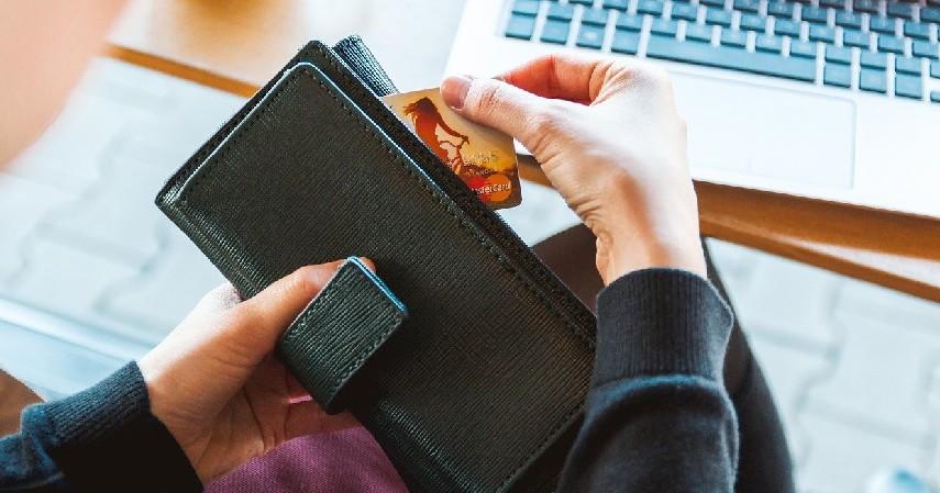 """Gunakan saat """"butuh"""" saja - Tips Mengelola Dompet Digital Paling Tepat Biar Gak Boros"""
