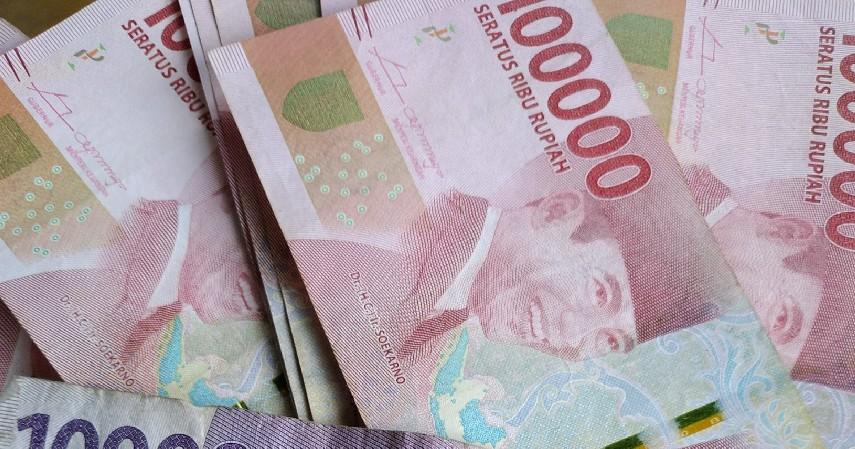 Memisahkan uang pribadi dengan uang bisnis - 9 Strategi Mengelola Keuangan Bisnis Untuk Pemula