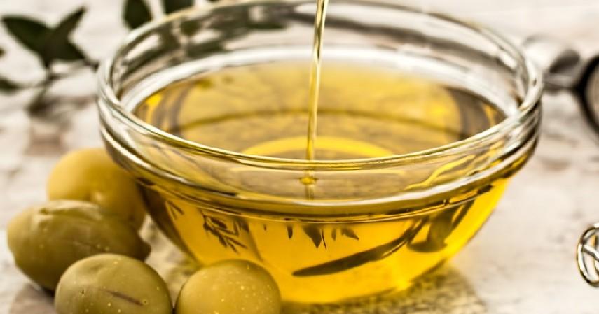 Minyak Zaitun - Cara Menghilangkan Stretch Mark Paling Efektif