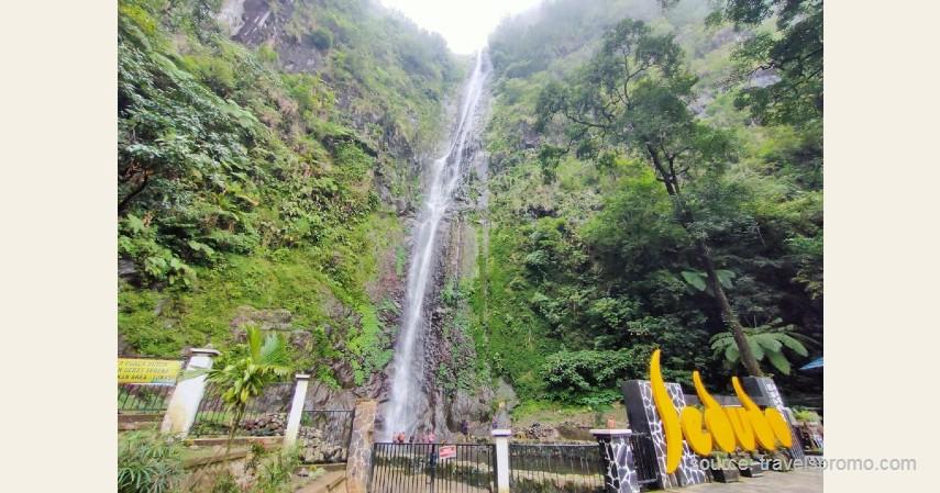 Air Terjun Sedudo - 13 Air Terjun Tertinggi di Indonesia, Ada yang Capai 250 Meter!.jpg