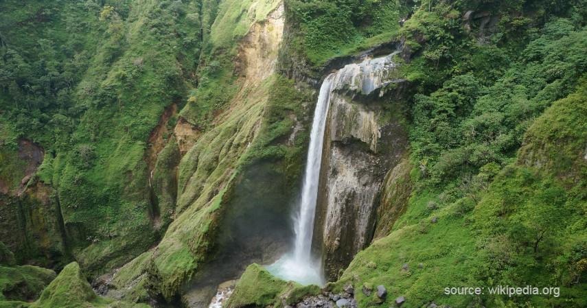 Air Terjun Penimbungan - 13 Air Terjun Tertinggi di Indonesia, Ada yang Capai 250 Meter!.jpg