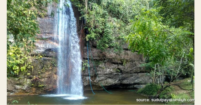 Air Terjun Lembah Harau - 13 Air Terjun Tertinggi di Indonesia, Ada yang Capai 250 Meter!.jpg