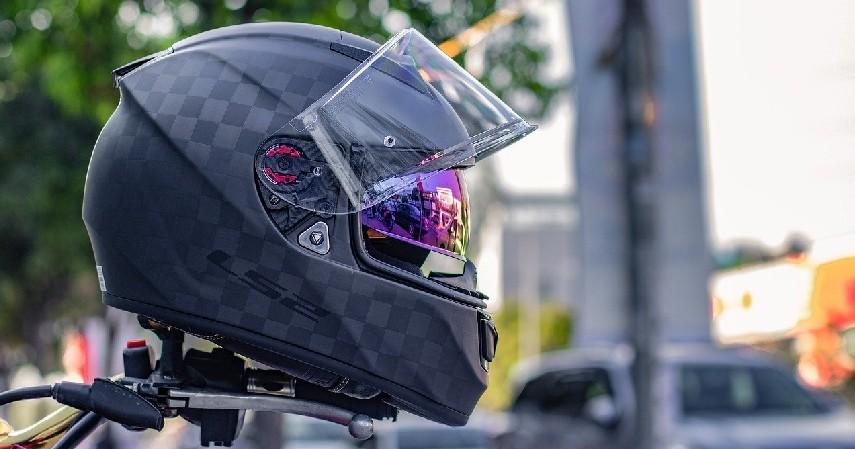 Helm - Mengenal Rompi Airbag untuk Pemotor Held eVest, Beserta Cara Kerja dan Harganya.jpg