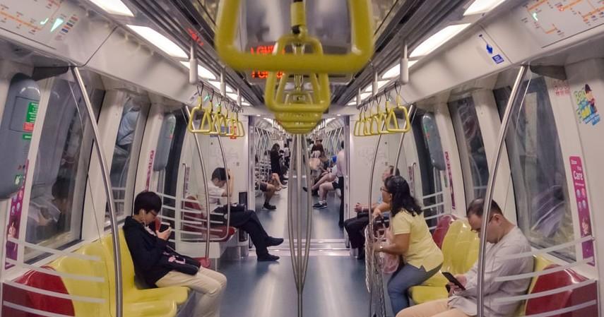 Aturan Berkendara saat PSBB Transisi di Jakarta - Aturan naik transportasi umum