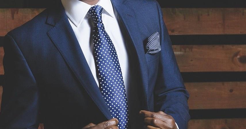 Baju Formal_Nonformal - 10 Inspirasi Hadiah untuk Ayah di Hari Ayah Nasional