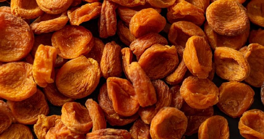 Buah Kering - 9 Makanan yang Harus Dihindari Penderita Diabetes