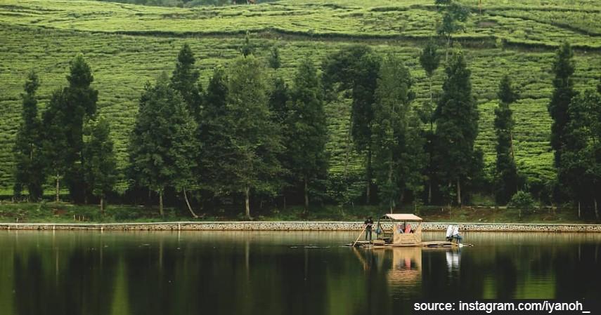 Danau Telaga Saat Puncak - 5 Lokasi Piknik di Bogor yang Damai dan Asri