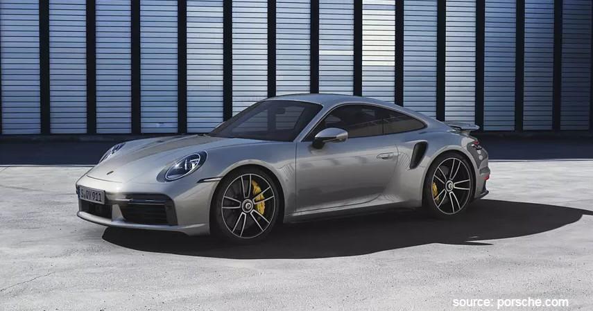 Harga Sewa Mobil Mewah Porsche 911