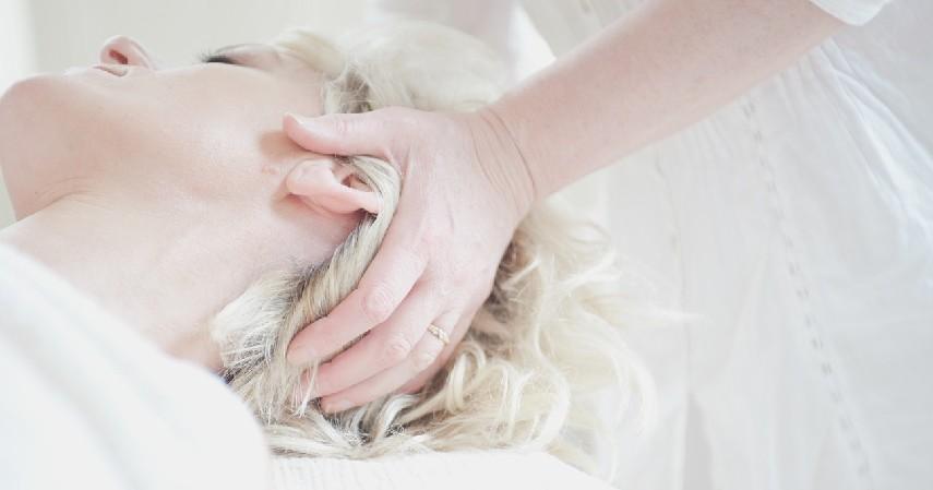 Memanjakan Diri - 7 Cara Mengatasi Stres pada Ibu Hamil yang Tepat