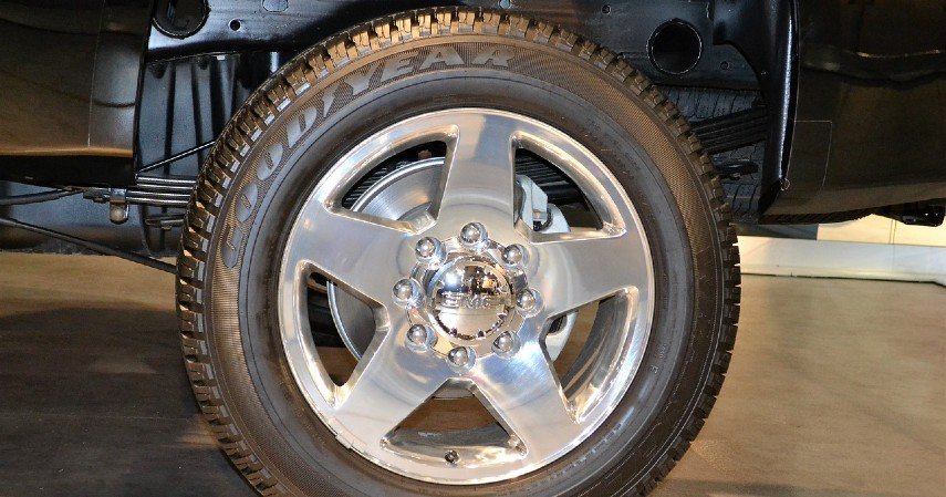 Memiliki Penggerak Roda Belakang - 15 Kelebihan Mobil Toyota Avanza yang Tak Disangka Banyak Orang