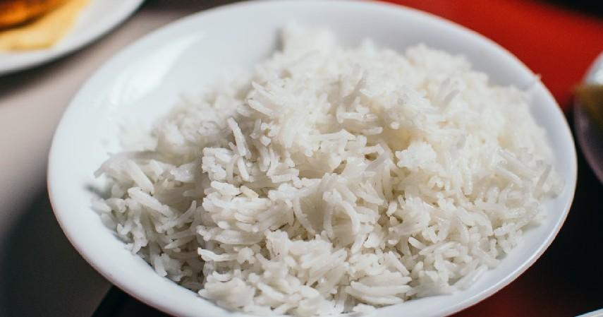Nasi Putih - 9 Makanan yang Harus Dihindari Penderita Diabetes