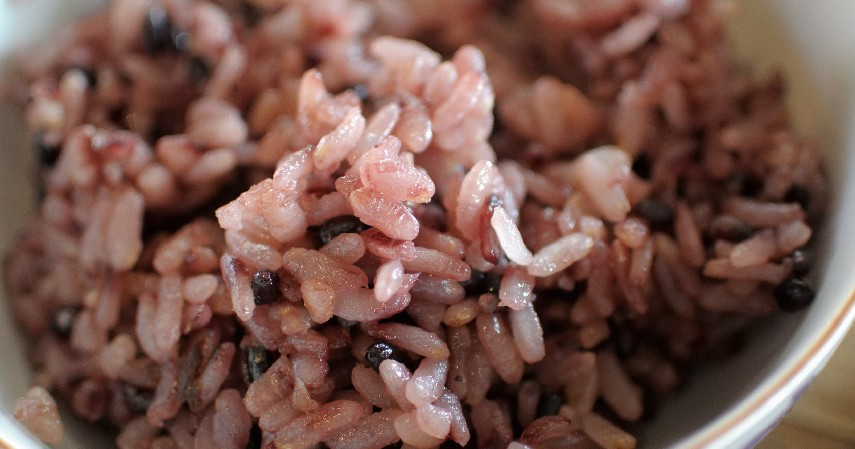 Nasi merah - 4 Jenis Nasi Beda Warna Beda Gizi