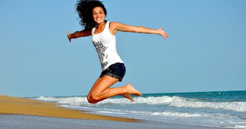 Tubuh Terhidrasi - 10 Manfaat Makan Timun untuk Kesehatan