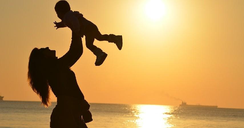 kasih sayang - 12 Hak dan Kewajiban Anak di Rumah