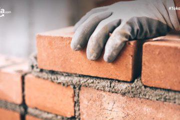 Daftar Biaya Tukang Bangunan Harian atau Borongan Terbaru
