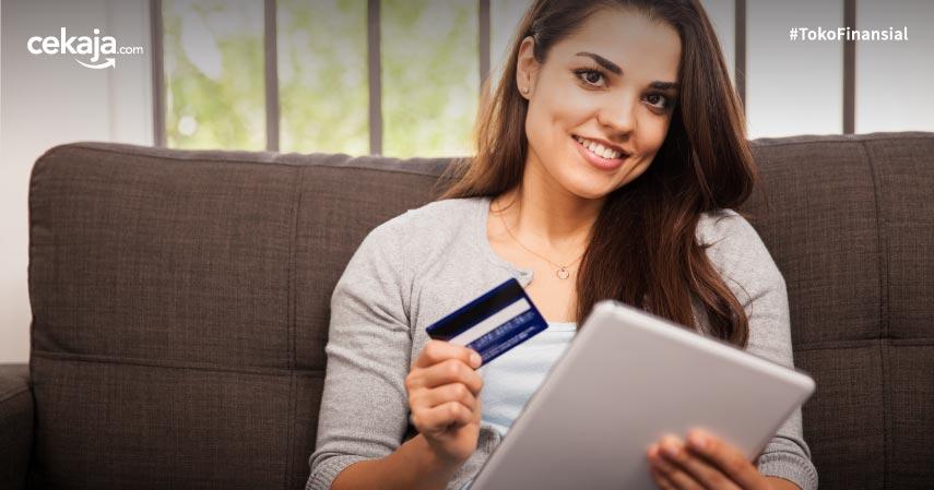 Pilih Apply Kartu Kredit Online atau Offline? Cek Perbandingannya di Sini!