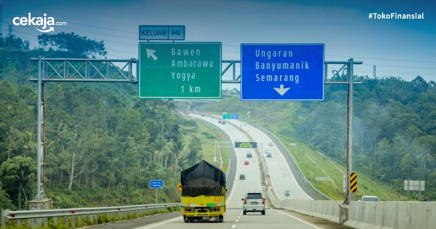 Perbedaan Rambu Petunjuk Warna Biru dan Hijau di Jalan Raya