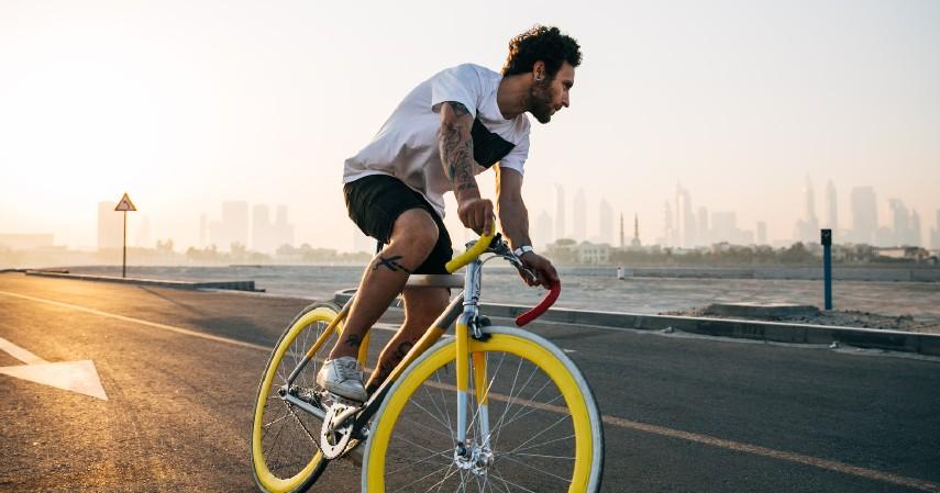 Bersepeda - 8 Olahraga Pereda Stress yang Bisa Kamu Lakukan Sendiri