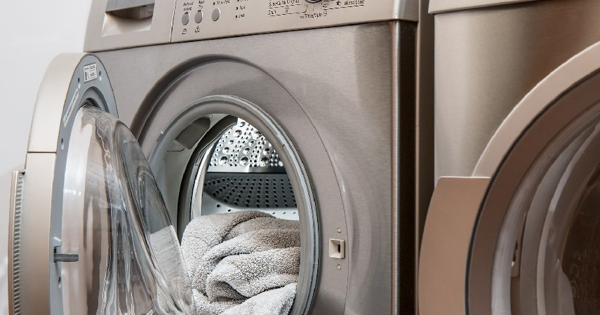 Bisnis laundry - 10 Ide Usaha Modal Kecil untuk Ibu Rumah Tangga