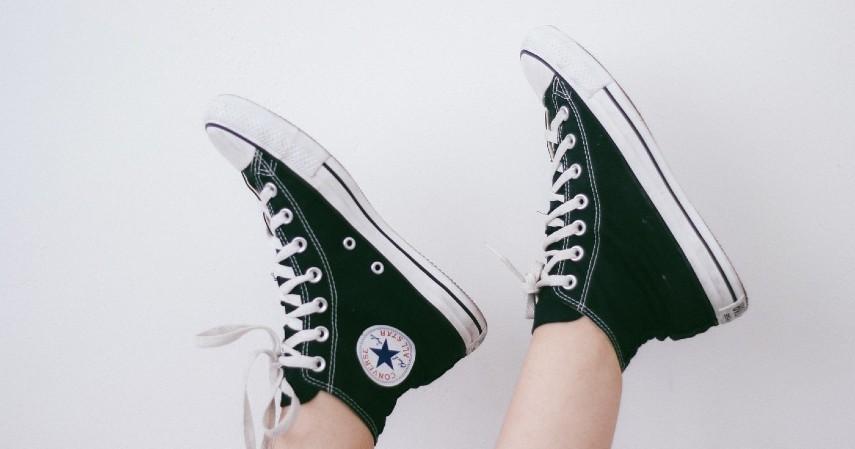 Cara Membersihkan Sepatu Berdasarkan Jenisnya - Sepatu Bahan Kanvas