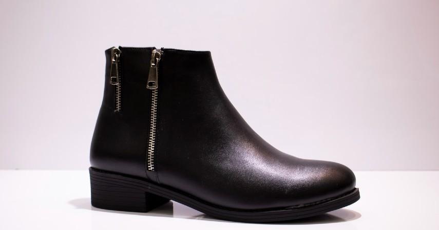 Cara Membersihkan Sepatu Berdasarkan Jenisnya - Sepatu Bahan Kulit Sintetis