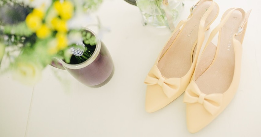 Cara Membersihkan Sepatu Berdasarkan Jenisnya - Sepatu Bahan Patent Leather