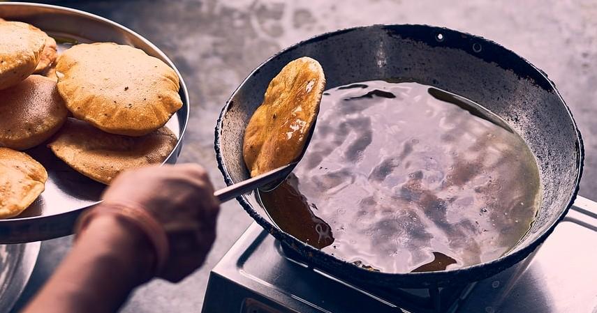 Cara Membuang Minyak Goreng Bekas - Membuang Limbah Minyak Goreng