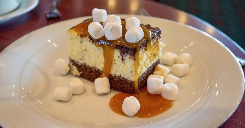 Caramel Cheesecake - 6 Ide Hidangan Natal nan Lezat