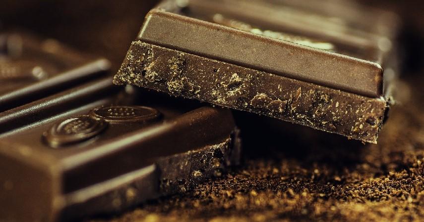 Cokelat Hitam (Dark Chocolate) - 4 Cokelat yang Bagus untuk Diet
