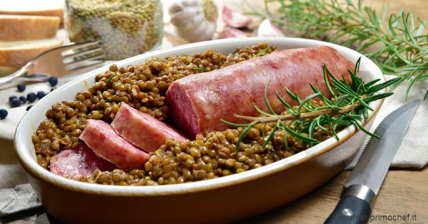 Cotechino con Lenticchie Italia - 9 Jenis Kuliner Khas Tahun Baru di Berbagai Negara