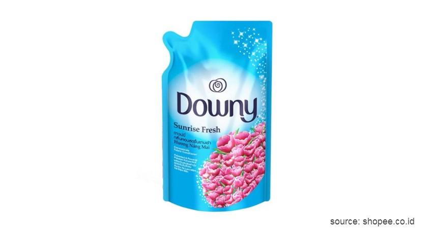 Downy Sunrise Fresh - 11 Merk Pewangi Pakaian Terbaik Wangi Tahan Lama