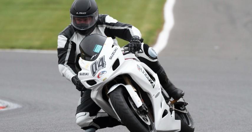 Fakta Unik Baju Balap MotoGP - Fasilitas Lengkap Bobot Cukup Ringan